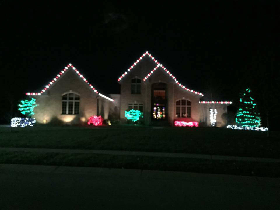 http://allscapelawn.com/wp-content/uploads/2018/03/Allscape-Holiday-Lighting-and-Decorating-Gallery-Indianapolis-Landscape.jpg